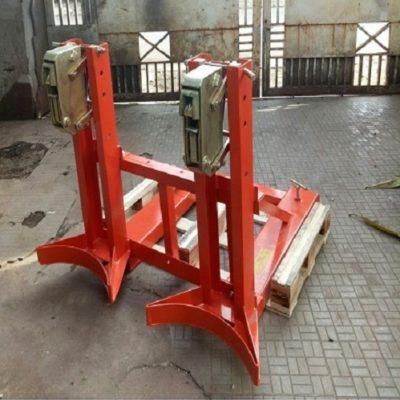 Bộ kẹp thùng phuy sắt đôi giá rẻ tại Hưng Việt