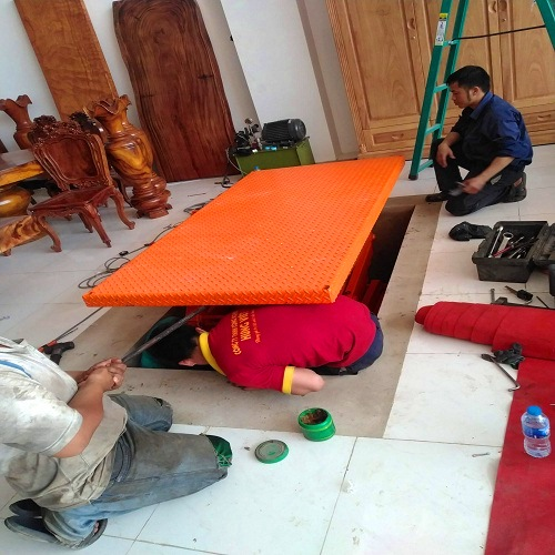 Lắp đặt bàn nâng thủy lực 1 tấn 4m tận nơi bởi Hưng Việt