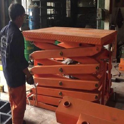 Bàn nâng điện 1 tấn cao 5m có sẵn tại Hưng Việt