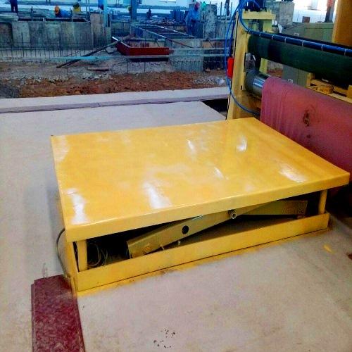 Bàn nâng thủy lực 3 tấn cao 1700mm có sẵn giá rẻ