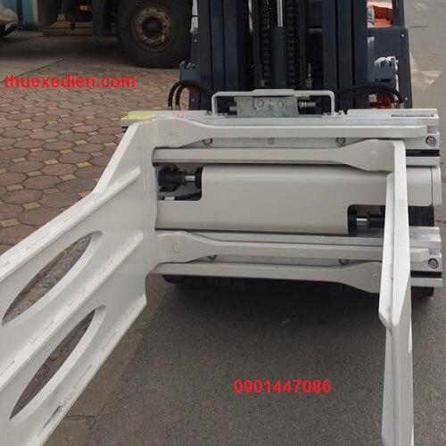 Mẫu bộ kẹp thùng giấy loại khung sắt giúp bạn kẹp được hàng chặt hơn