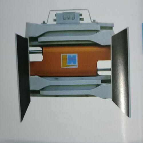 Bộ kẹp thùng giấy hay còn gọi là bộ kẹp thùng carton hay hệ thống kẹp vuông