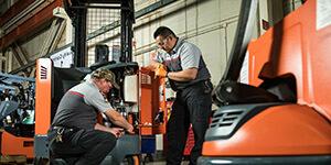 Hướng dẫn chi tiết bảo trì xe nâng công nghiệp đúng chuẩn