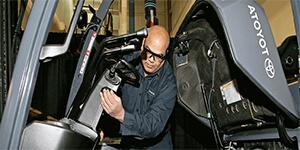 Lợi ích lên kế hoạch bảo trì xe nâng hàng công nghiệp