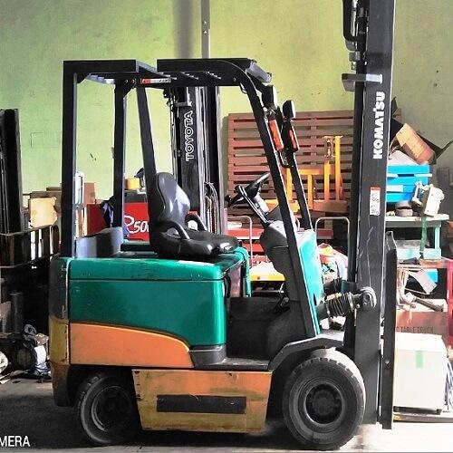 Xe nâng ngồi lái 4m giá rẻ có sẵn tại Hưng Việt. Forklift Komatsu, Toyota Forklift,